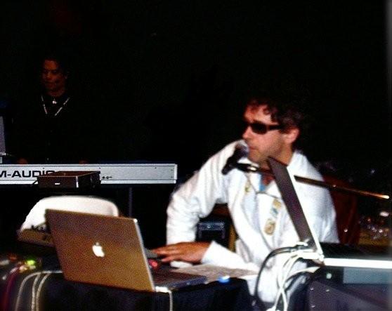 Haciendo música en una clínica con Gustavo Cerati (Buenos Aires, 2004)