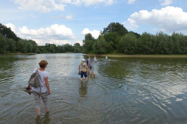 Ein niedriger Wasserstand ermöglichte ein überqueren des Sees!