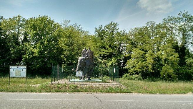statua elefante di Annibale a Canneto