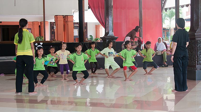 Tanzunterricht des traditionellen Tanzens