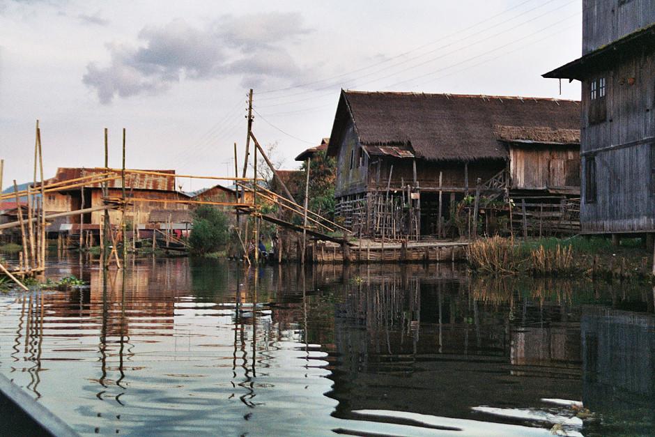 Stelzenhäuser am Inle See