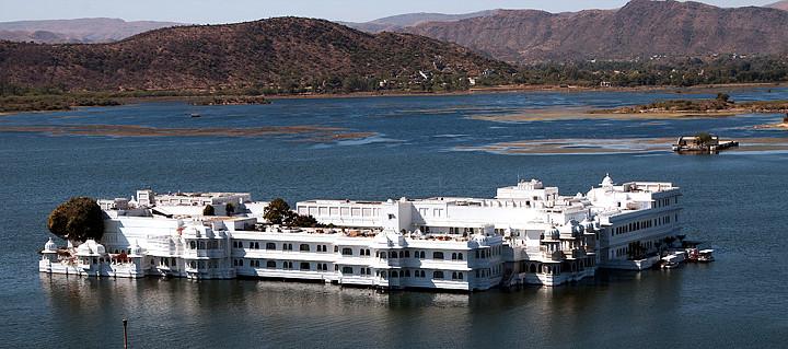 "Lake Palast Hotel  /  Teile des James Bond Films ""Octopussy"" wurden hier gedreht."