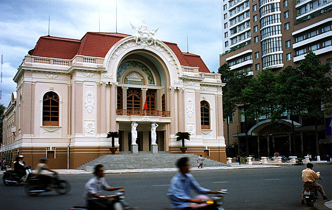 Das heutige Stadttheater