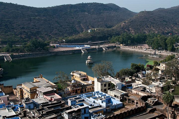 Der künstlich angelegte See / Nawal Sagar