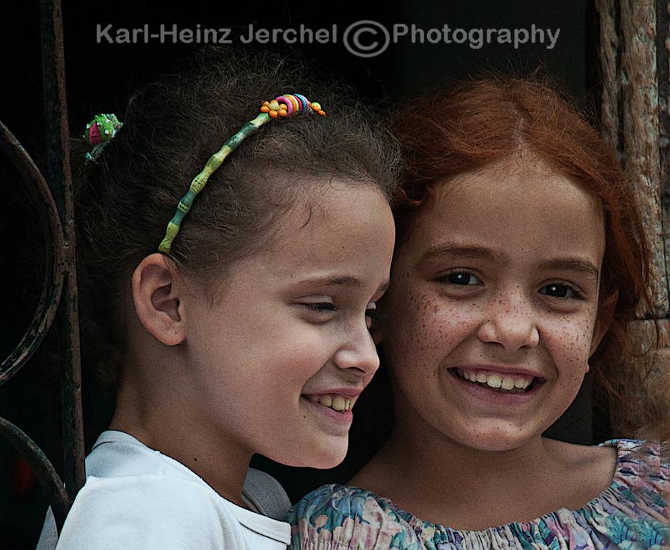 Junge Kubanerinnen