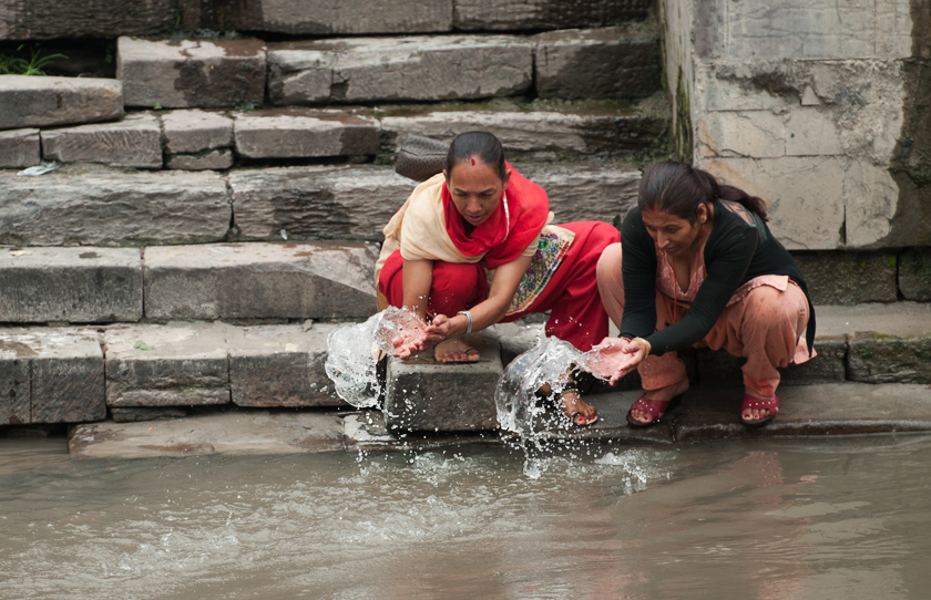 Zeremoni am Fluss Bagmati, Pashupatinath Tempel,