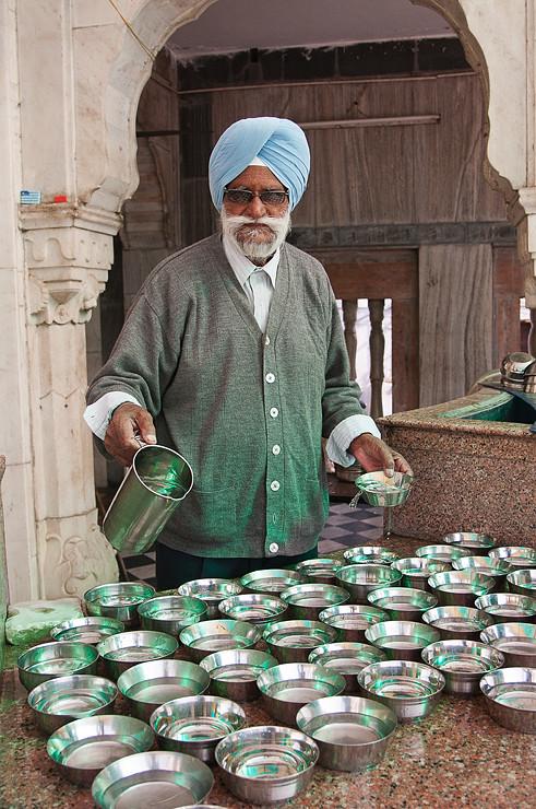 Wasser im Sikh Tempel Gurdwara Bangla Sahib