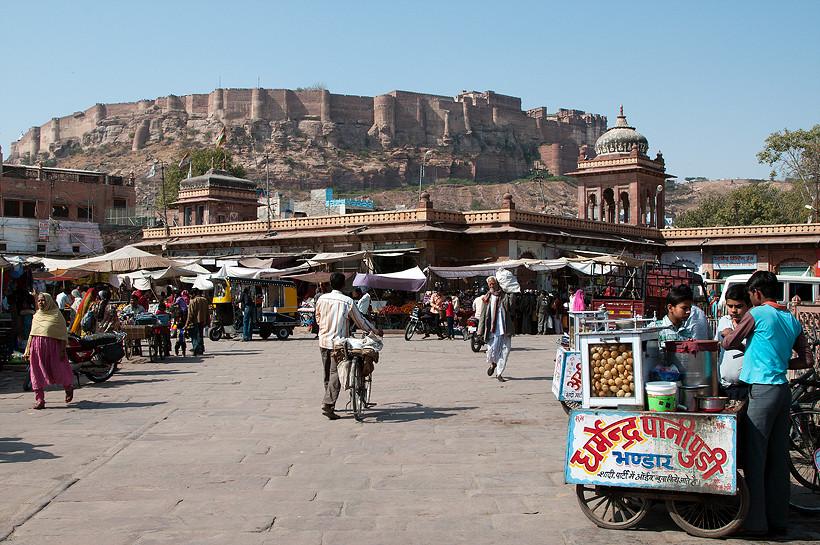 Die Festung vom Marktplatz aus gesehen