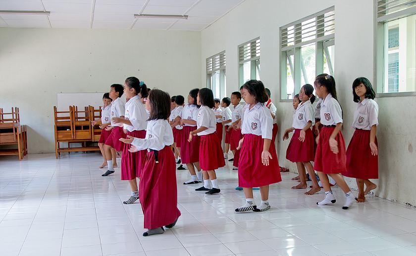 Tanzunterricht in einer Schule