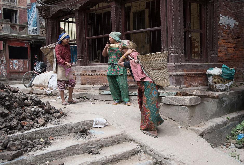 Aufräumen nach dem schweren Erdbeben