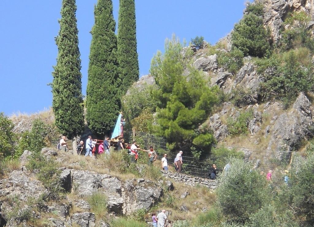 """Processione verso la """" Marunnedda """""""