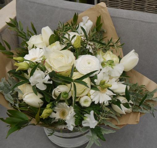 Bouquet vert et blanc pour un mariage