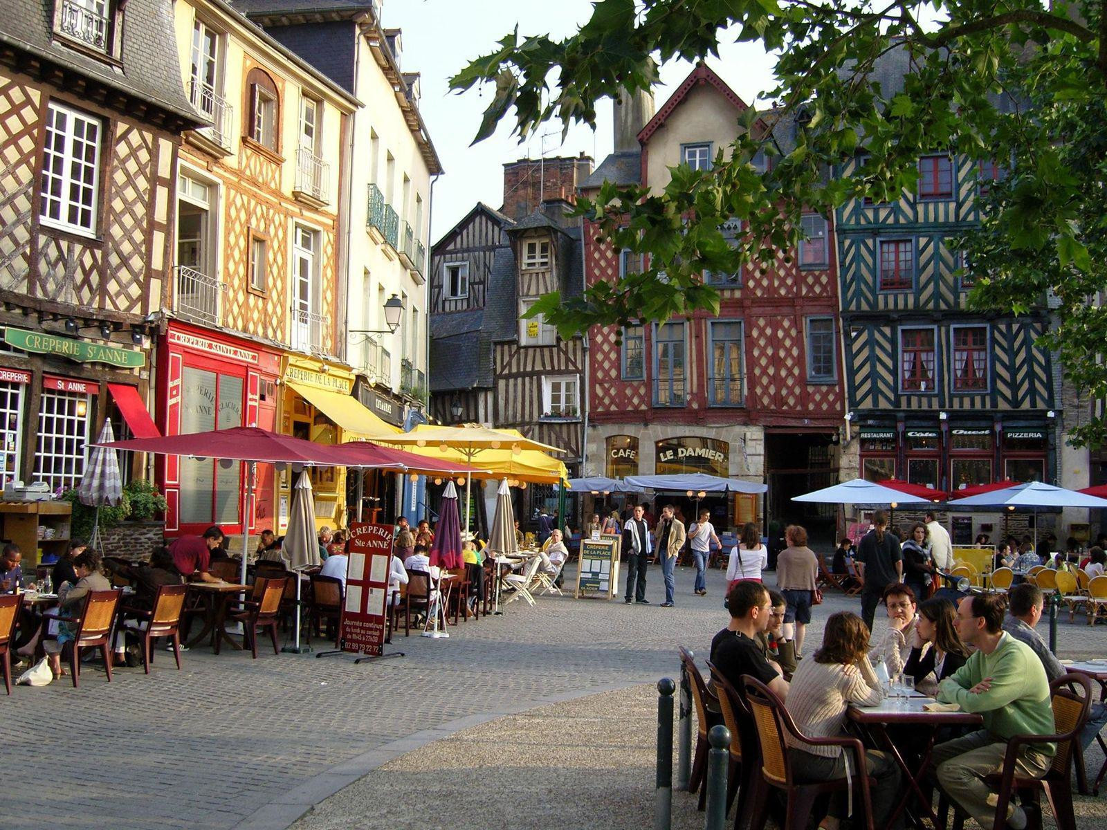 Rennes, place Sainte-Anne