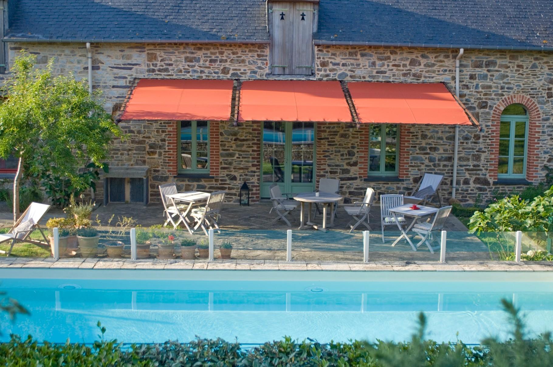 Chambres d 39 h tes avec piscine en bretagne pr s de rennes for Chambre d hotes rennes