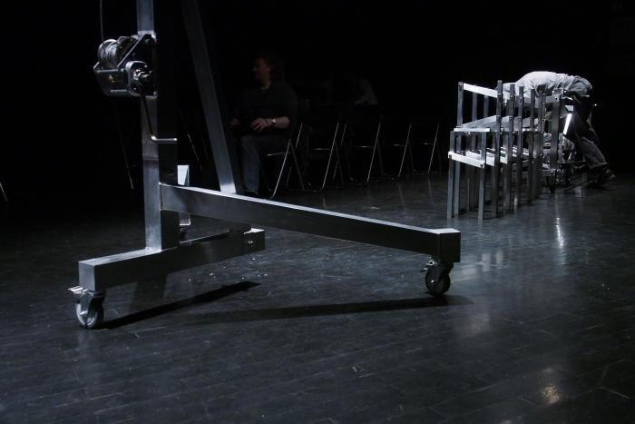 """Сцена из спектакля """"Танго"""" по С.Мрожеку. Театр """"А.Р.Т.О."""", март 2013 г. Фото Владимира Луповского."""