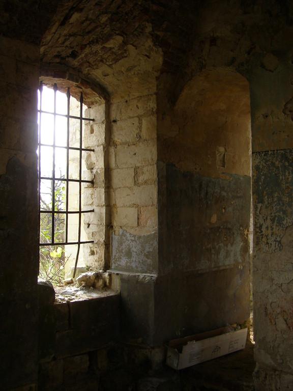 Заброшенный храм в деревне Молоково, где происходили съемки.