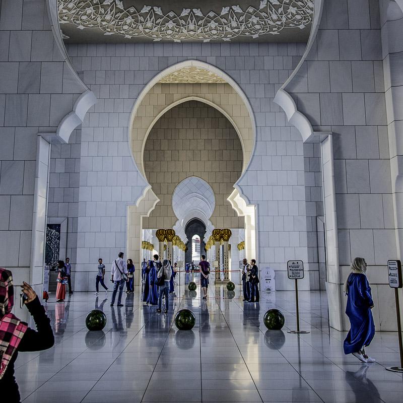 Abu Dhabi - Prospettive nella Grand Mosque