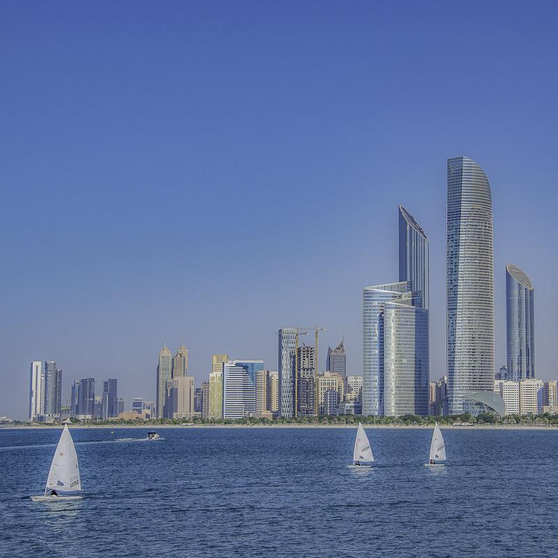 Abu Dhabi - Coriniche