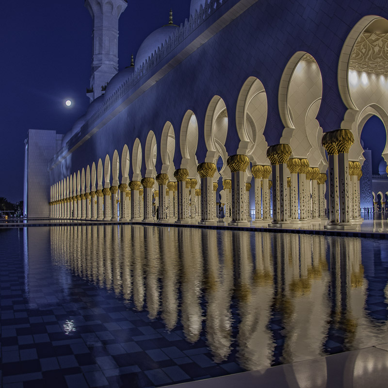 Abu Dhabi - Grand Mosque di sera