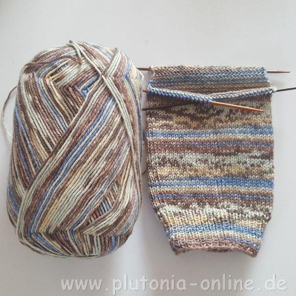 angeschlagene Socken Größe 44/45 aus Opal-Wolle