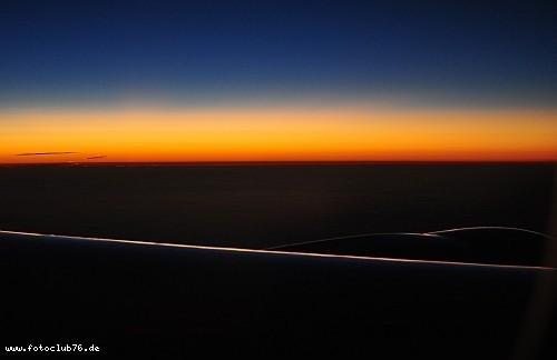 Nach Sonnenuntergang im Flugzeug