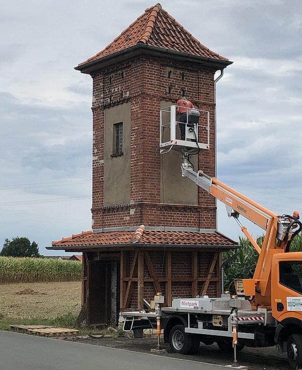 Für die Höhenarbeiten kam schweres Gerät zum Einsatz