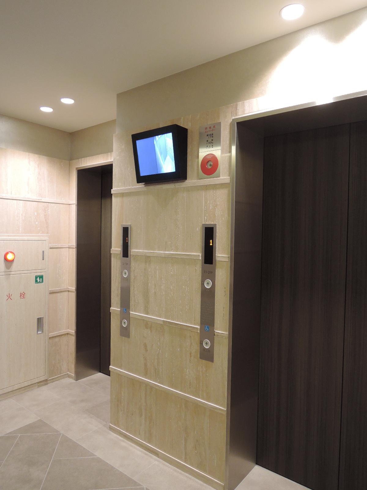 エレベーター(1Fにモニター付き)