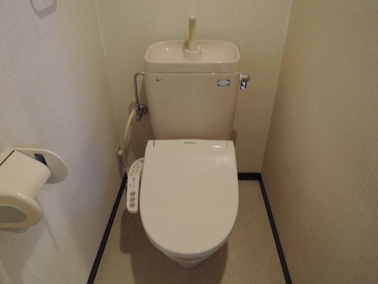 温水式洗浄便座。新規交換