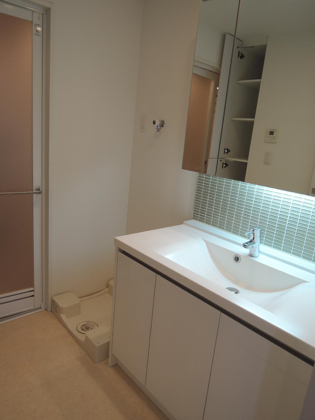 洗面室とバスルーム