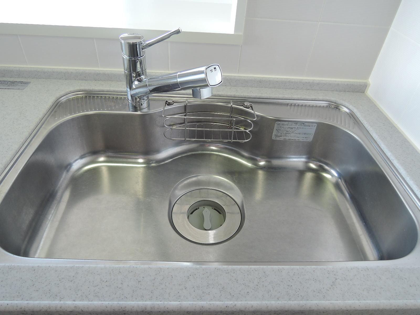 シャワー水栓。ディスポーザー設置