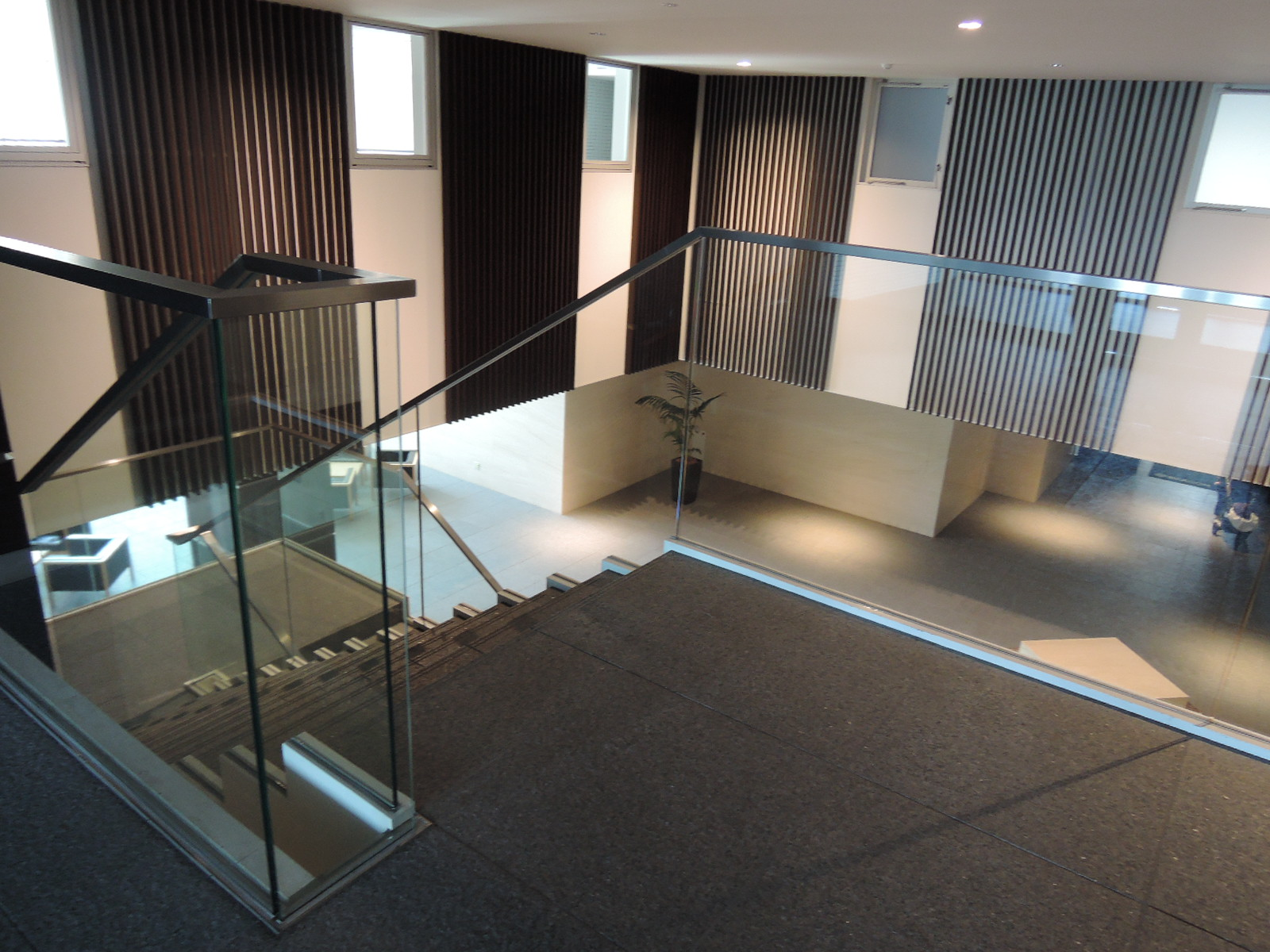 2階に上がると各種共用施設があります