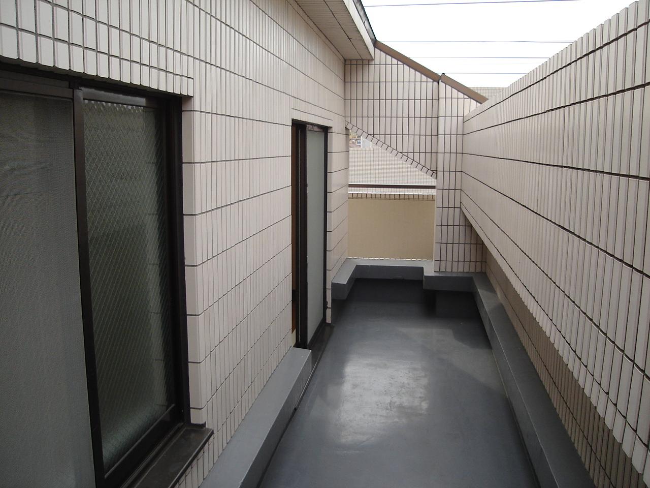 バルコニーが二面にあるのもこの部屋ならではの特徴です