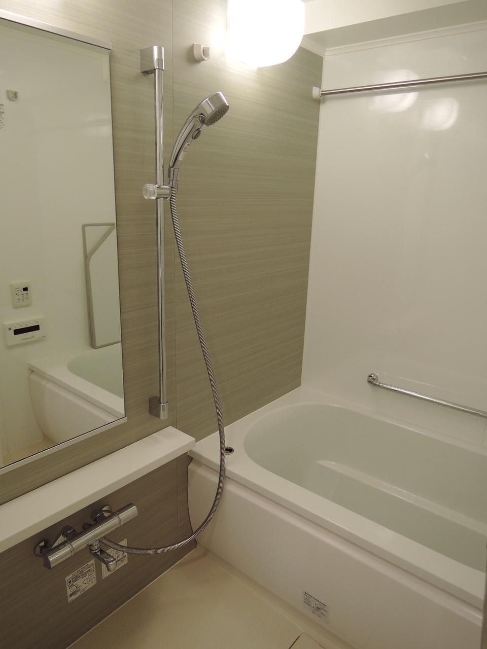バスルーム(ミストサウナ機能・暖房乾燥機付)