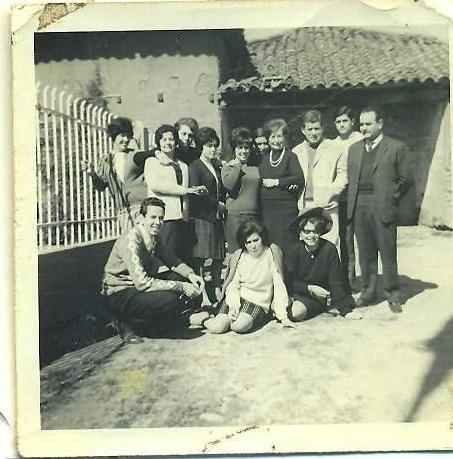 Familias Tagle y Vargas visitan a la familia Pincheira en su Quinta de San Antonio.  (1965, aprox.)