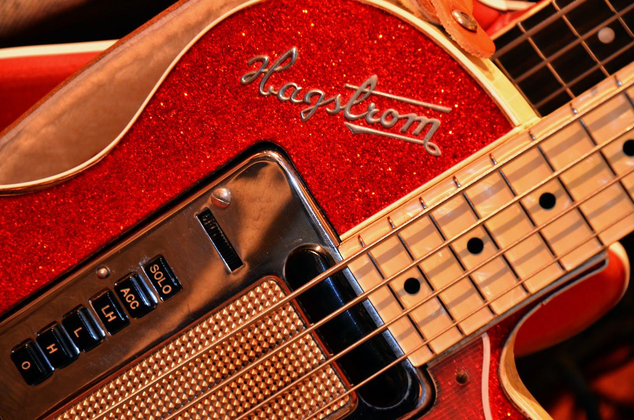 La fameuxe basse Hagström, fabriquée en 1961 à 150 exemplaires