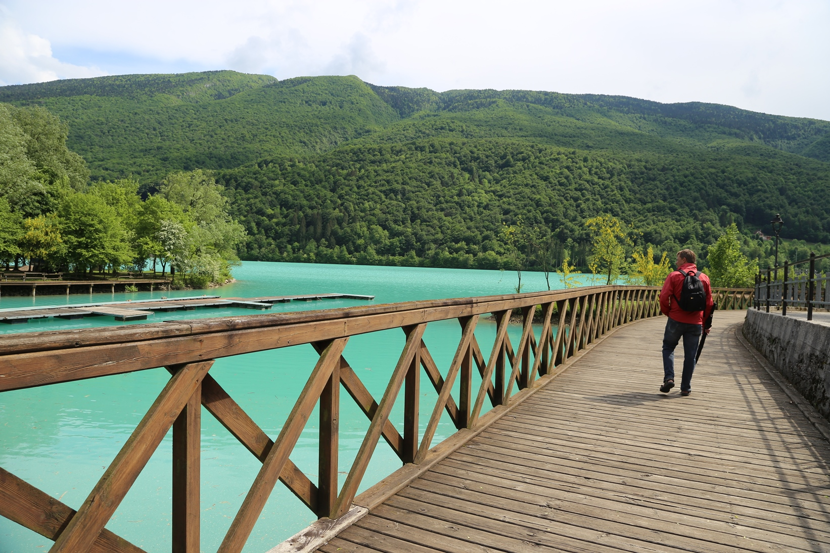 Am Lago di Barcis kann man gut Spazierengehen