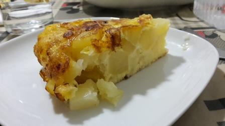 Spanische Tortilla - Ei, Zwiebeln und Kartoffeln.