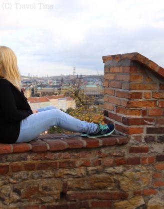 Hoch oben über den Dächern von Prag.