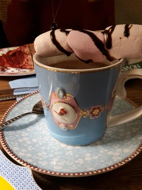 Heiße Schokolade mit Marshmallows.