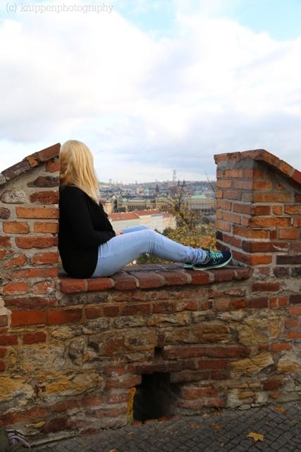 Hoch oben auf den Burgmauern.