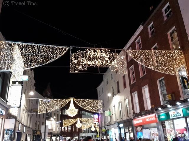 Die Grafton Street ist festlich geschmückt.
