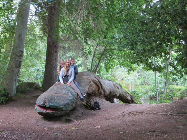 Auch am River trifft man auf Nessie.