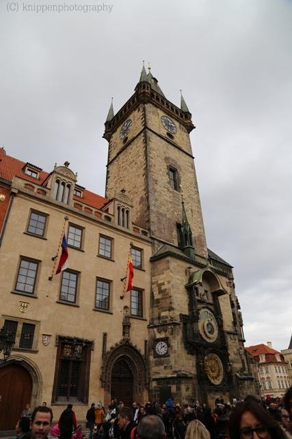 Rathaus Turm mit der astrologischen Uhr.