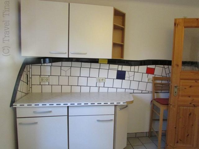 Einblick in die Küche in der Musterwohnung.