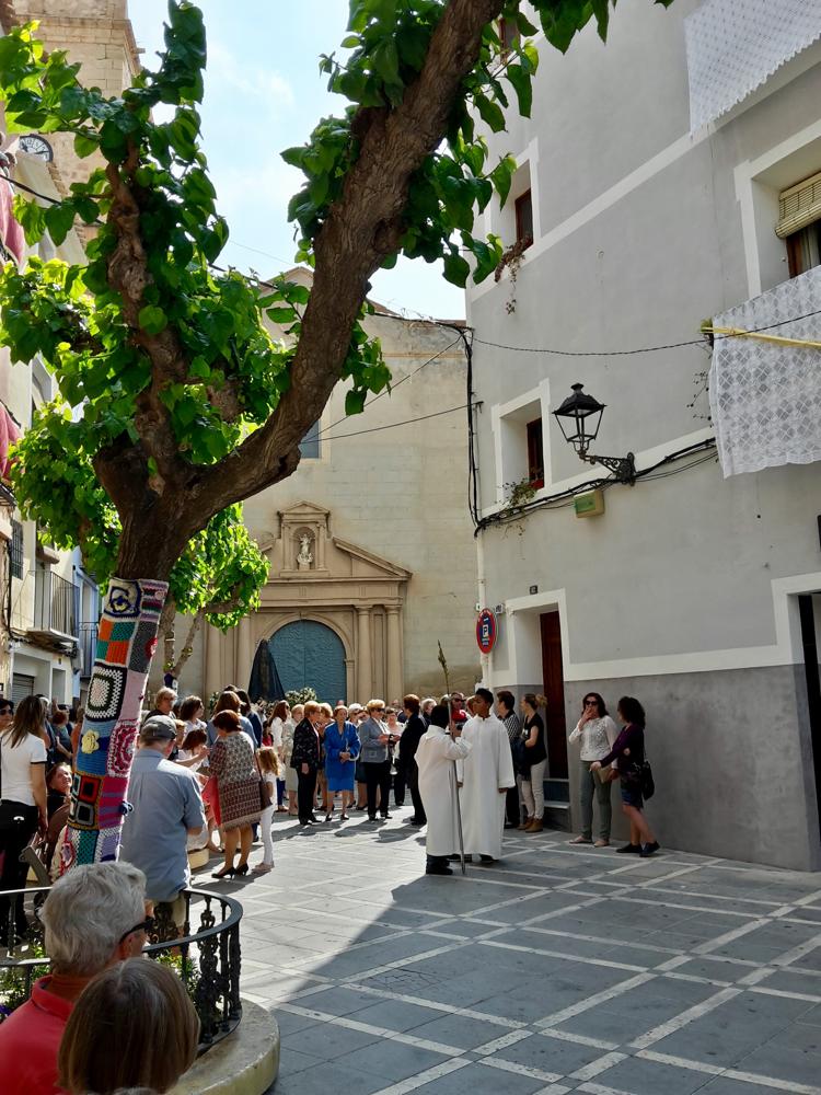 Die Osterprozession beginnt an der Kirche Iglesia de la Asunción.