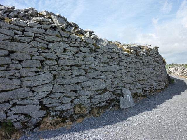 Die Mauern vom Dun of Cahermore Steinfort.