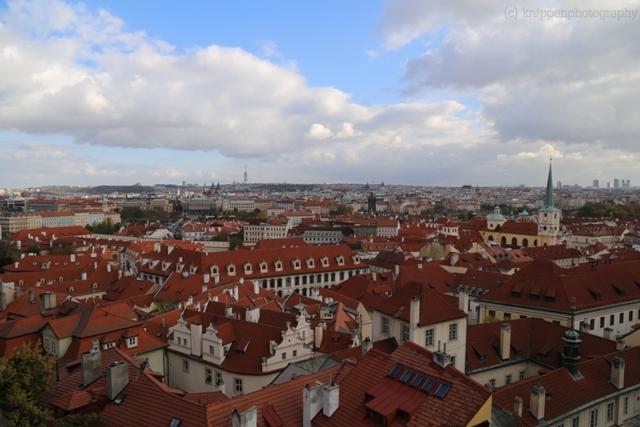 Über den Dächern von Prag.