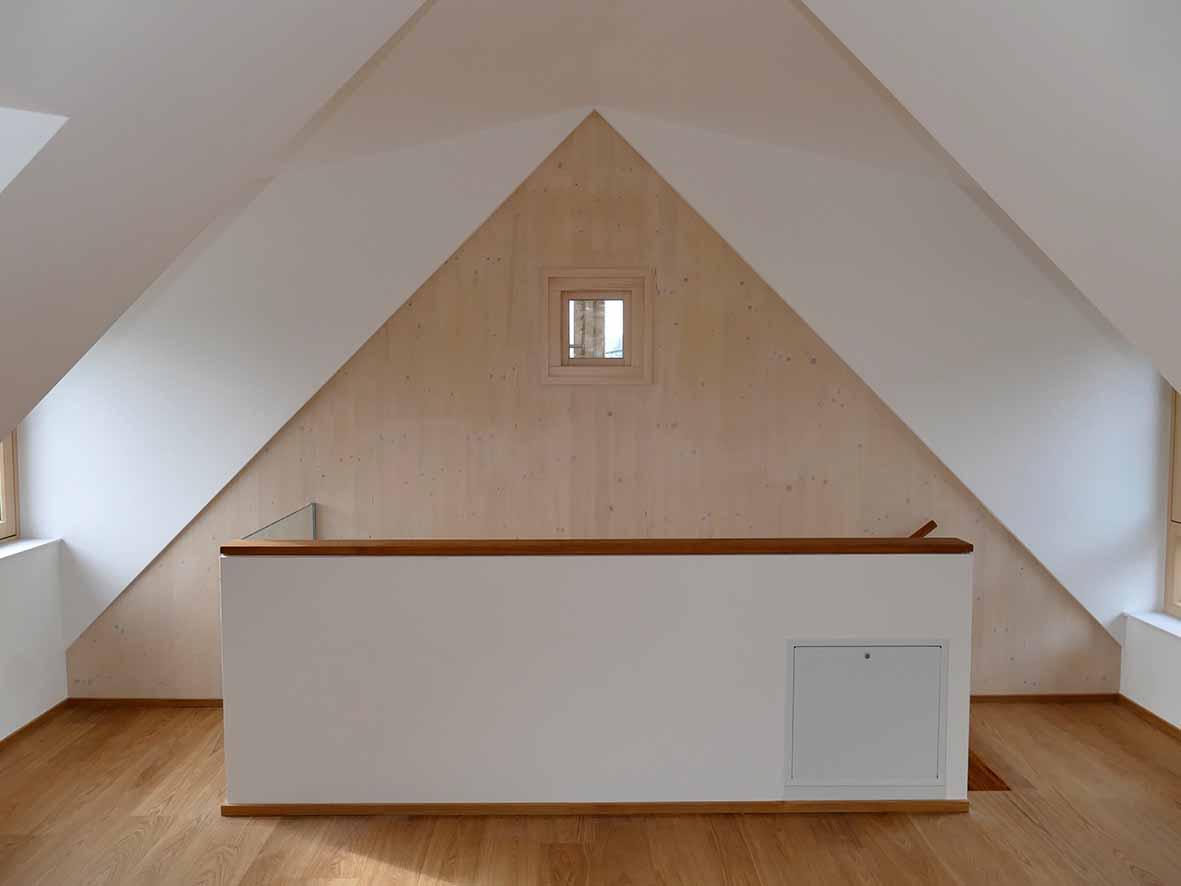 Stiegenbereich ins Dachgeschoss