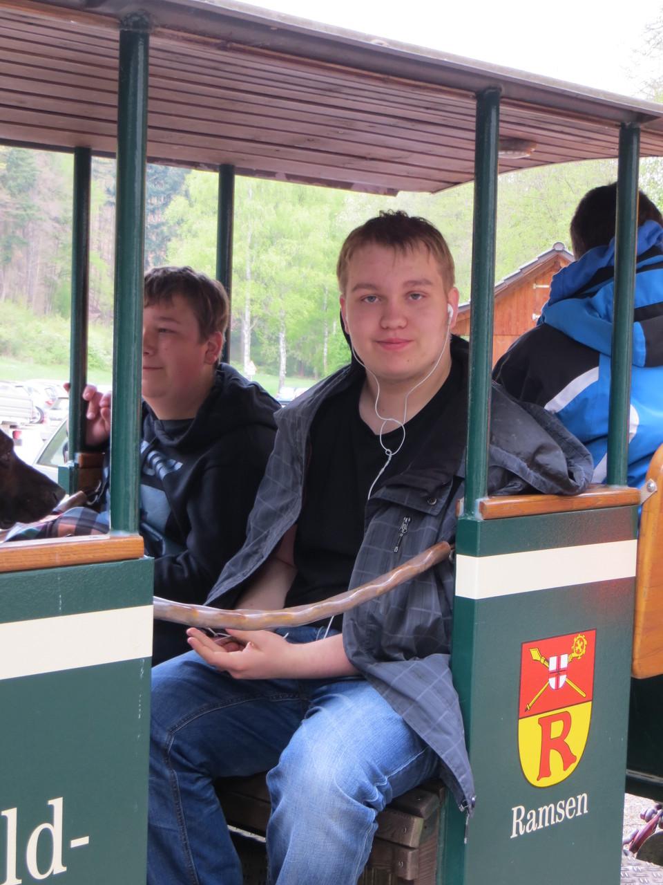 Die Junioren Jannik und Mario in der Stumpfwaldbahn