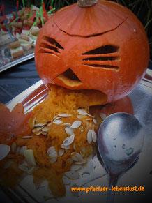 Halloween_Kürbis_Motive_Vorlagen_kotzender_Kürbis